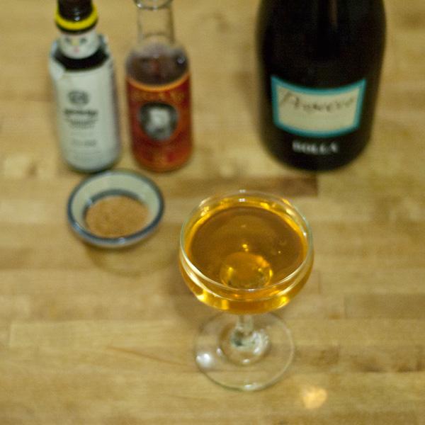 Classic-Prosecco-Cocktail
